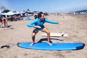 beginner surf lesson canggu
