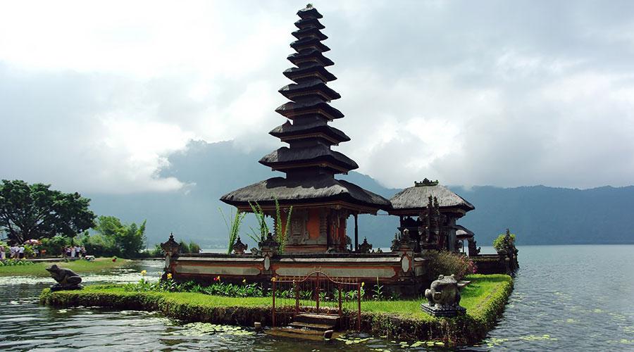 visiting temples bali tour